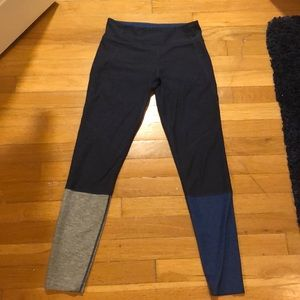Outdoor Voices Navy Leggings!